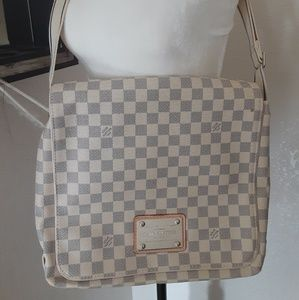 Handbags - LOUIS VUITTON CROSS BODY BAG